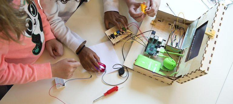 The Best Build Your Own Computer Kits for Kids, Teens & Adults in 2021