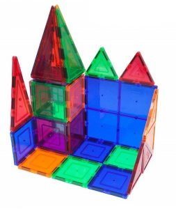 A magnet construction kit for kids to build structures
