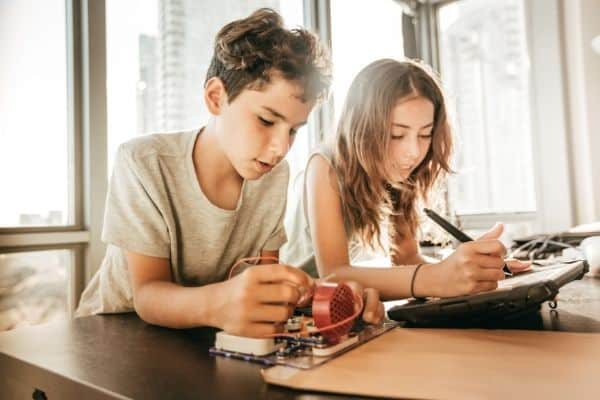 Best STEM Toys for 12 Year Olds