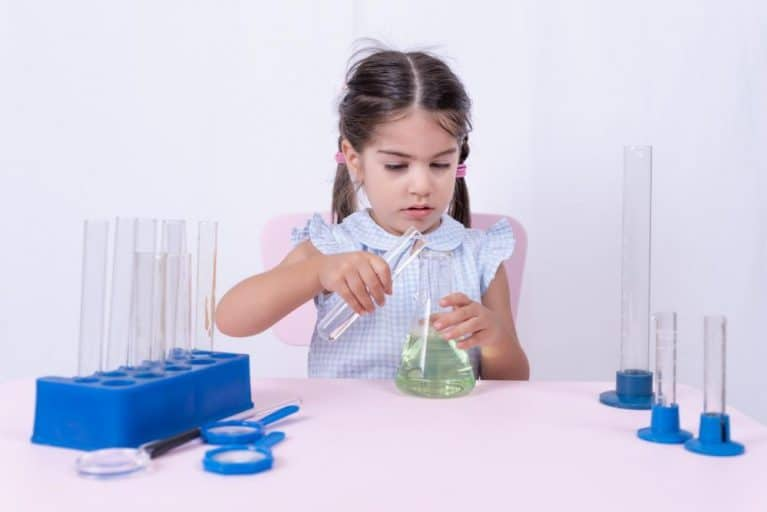 4 Best Science Kits for 3 Year Olds | Amazing Toys for the Budding Scientist