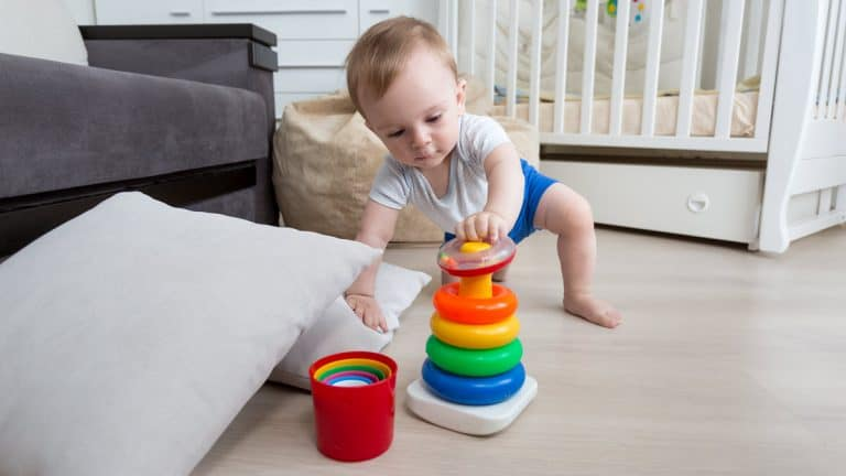 Choosing the Best Educational Toys for 15-Month-Olds