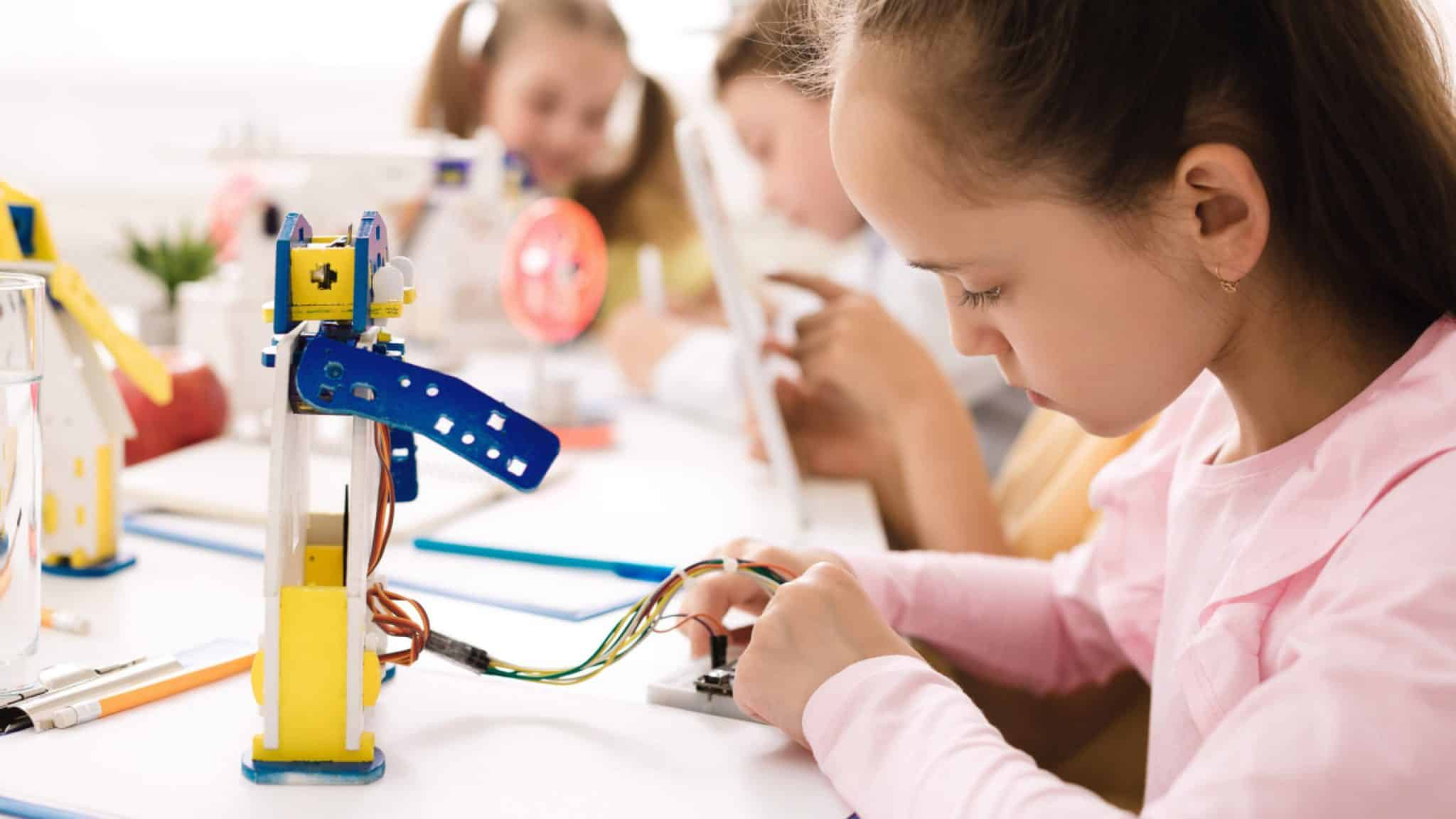 20 STEAM Makerspace Activities for Elementary Groups