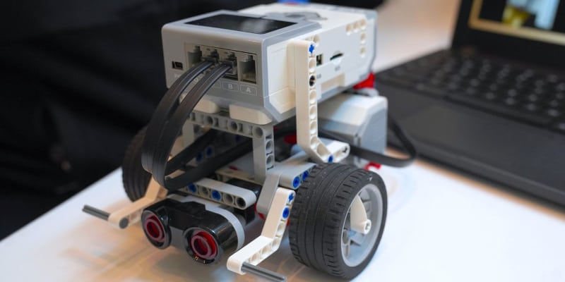 A LEGO simple machine as Makerspace project