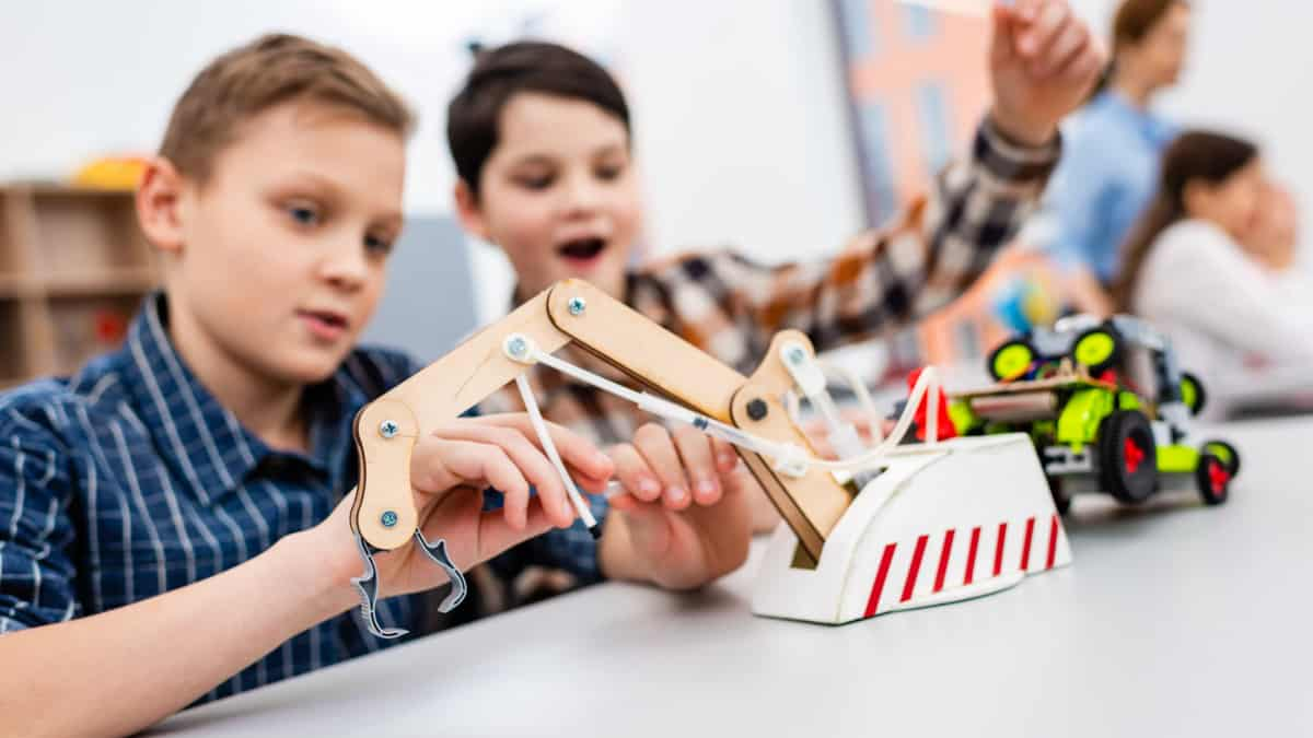 Best Educational Toys for 10 Year Olds
