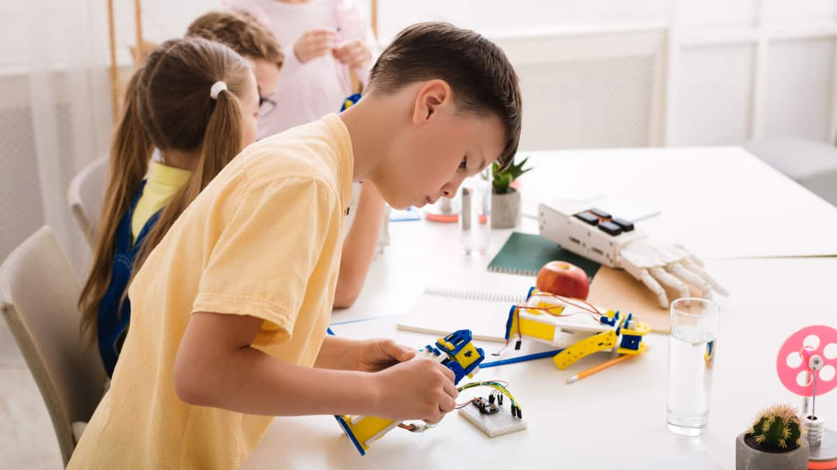 Best Stem Toys for 11 Year Olds