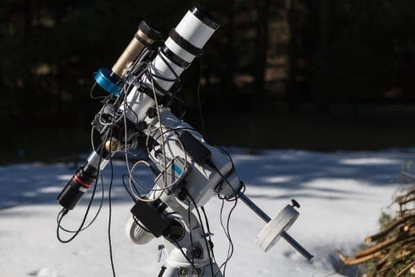 A refractor telescope for astrophotography