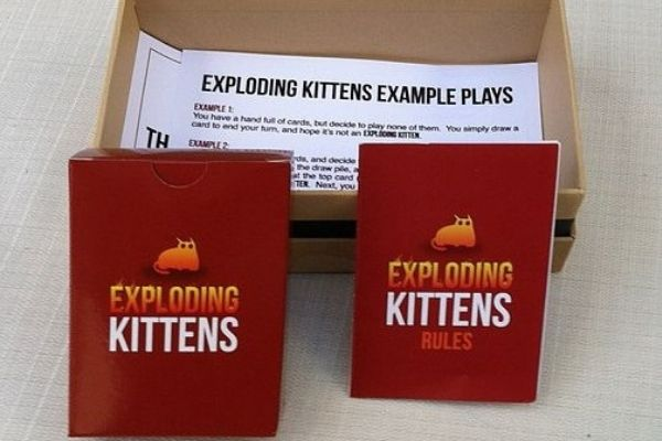 Exploding Kittens card game unboxed