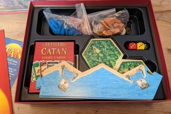 Settlers of Catan unboxed