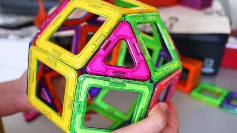 7 Best Magnetic Tiles for Kids to Build and Learn [Reviewed by Experts] 2021