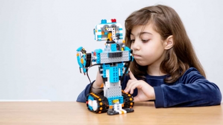 Best Toys for 8-Year-Old Girls [Our Top 12 for 2020]