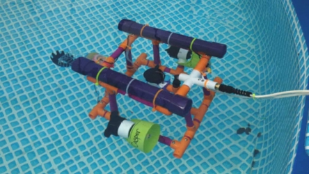 How to Organize an Underwater Robotics Club