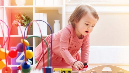 Top 12 Best Educational Toys for 12 Month Old Kids [2020]