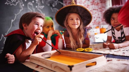 5 Spooktacular Halloween STEM Projects (Scary Fun!)